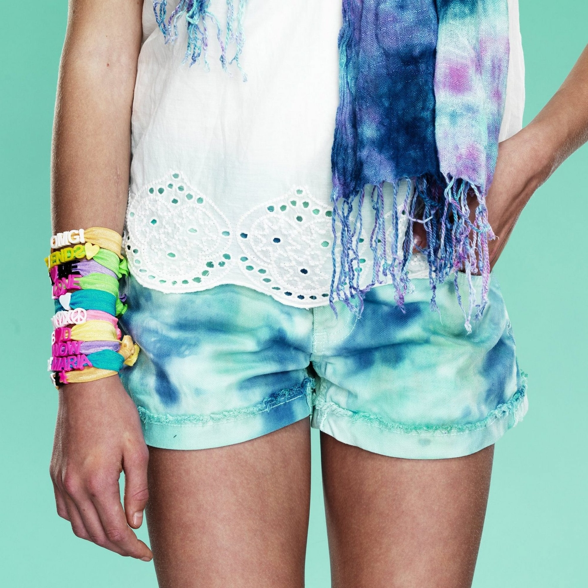 Revive your clothes tie-dye style!