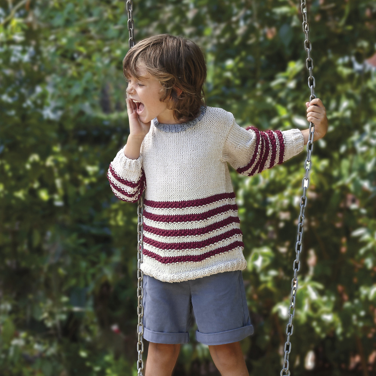 Knit a child's jumper with appealing stripes