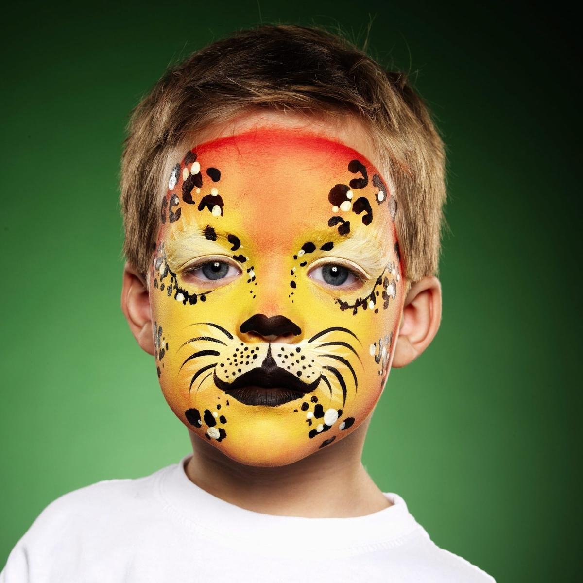 ansiktsmålning färg panduro