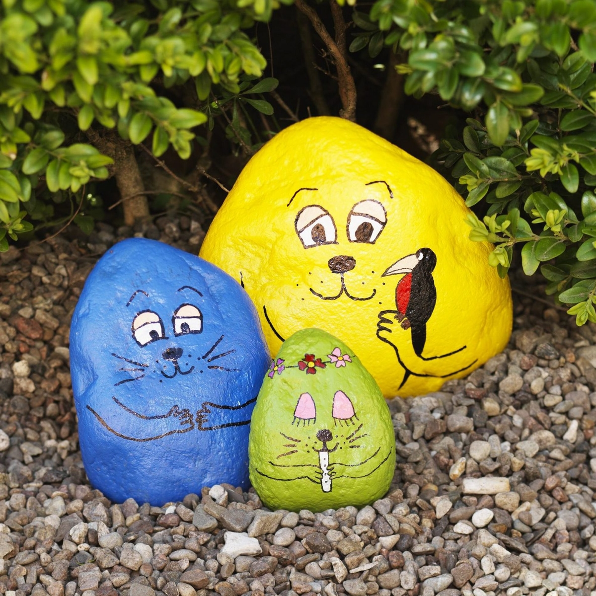 Paint colourful stone figures
