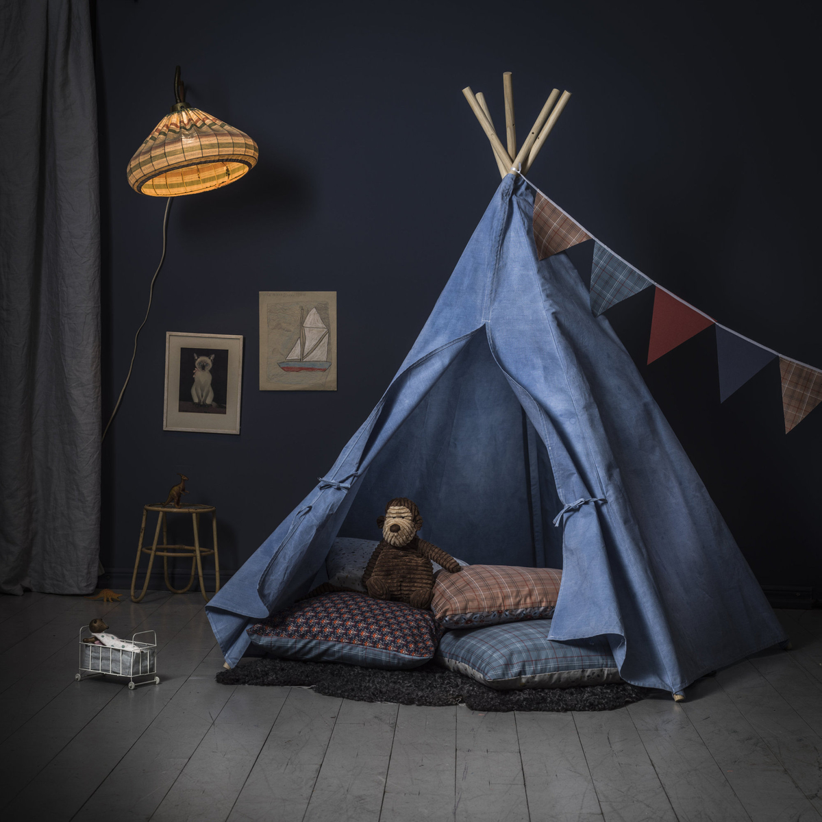 Cosy tenting at home