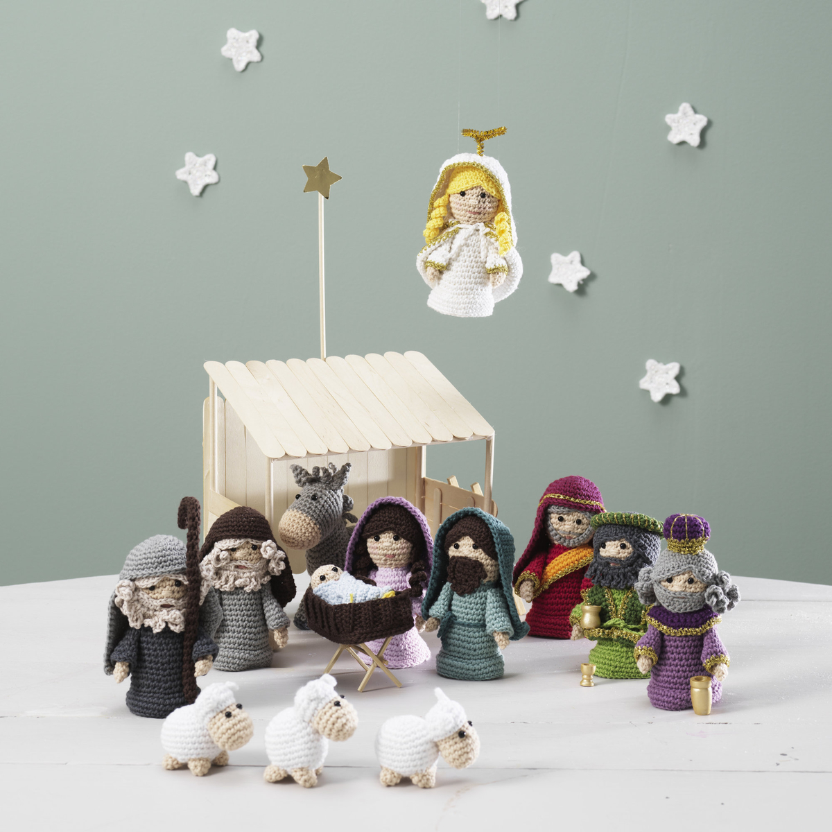 Crochet a nativity scene