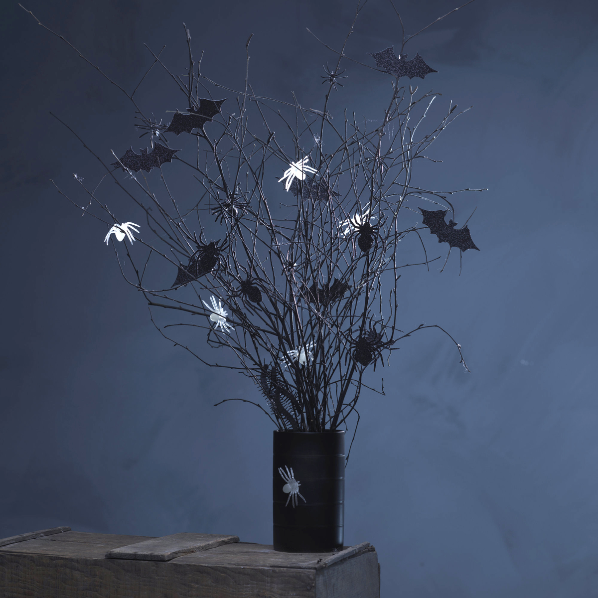 How to make a spooky Halloween bouquet